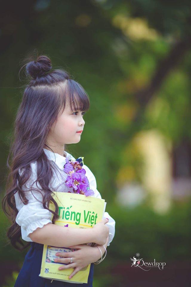"""Sau kỷ yếu mẫu giáo, Hoa khôi nhí Tuyên Quang lại khiến dân mạng sục sôi với bộ ảnh """"Tạm biệt lớp 1"""" - Ảnh 5."""