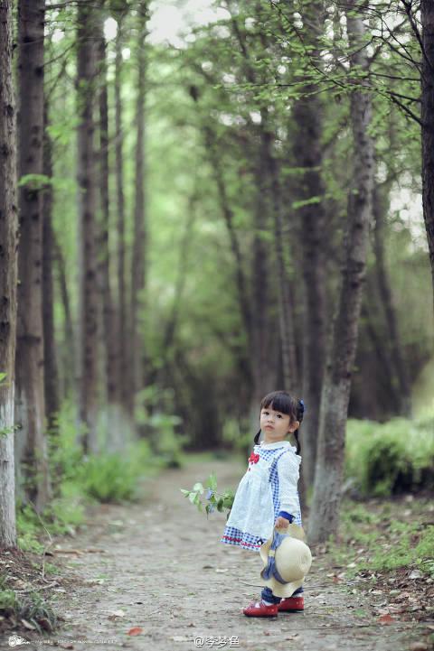 Bé gái 3 tuổi vụt sáng thành ngôi sao mạng xã hội sau khi bố khoe hàng trăm bức ảnh chụp con gái - Ảnh 20.