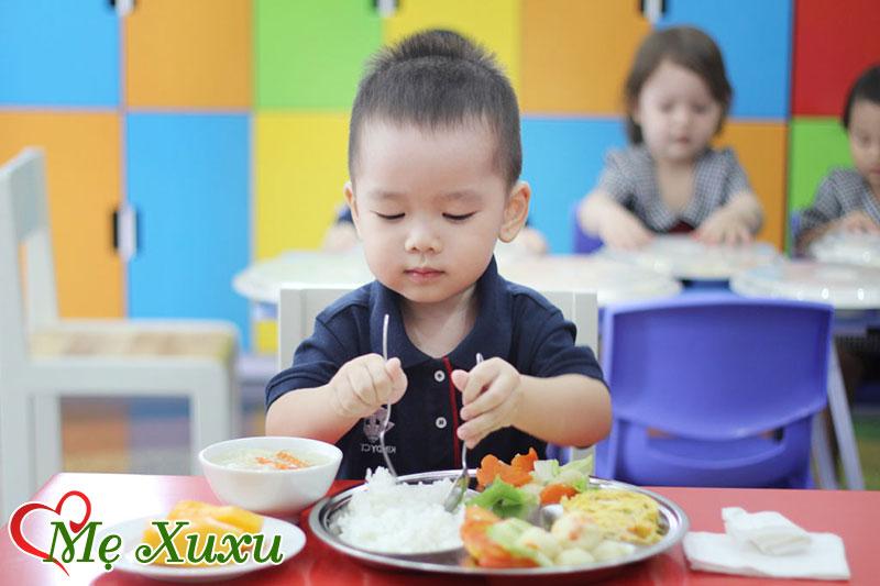 Trẻ em thiếu sắt nên ăn gì tốt nhất?